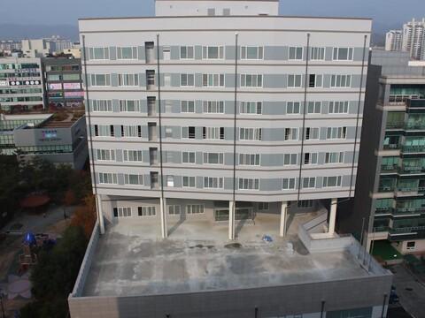 경기섬유봉제지식산업센터 2012.jpg