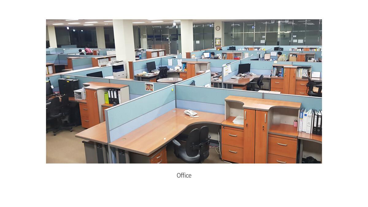 서브_회사이미지01_사무실.jpg