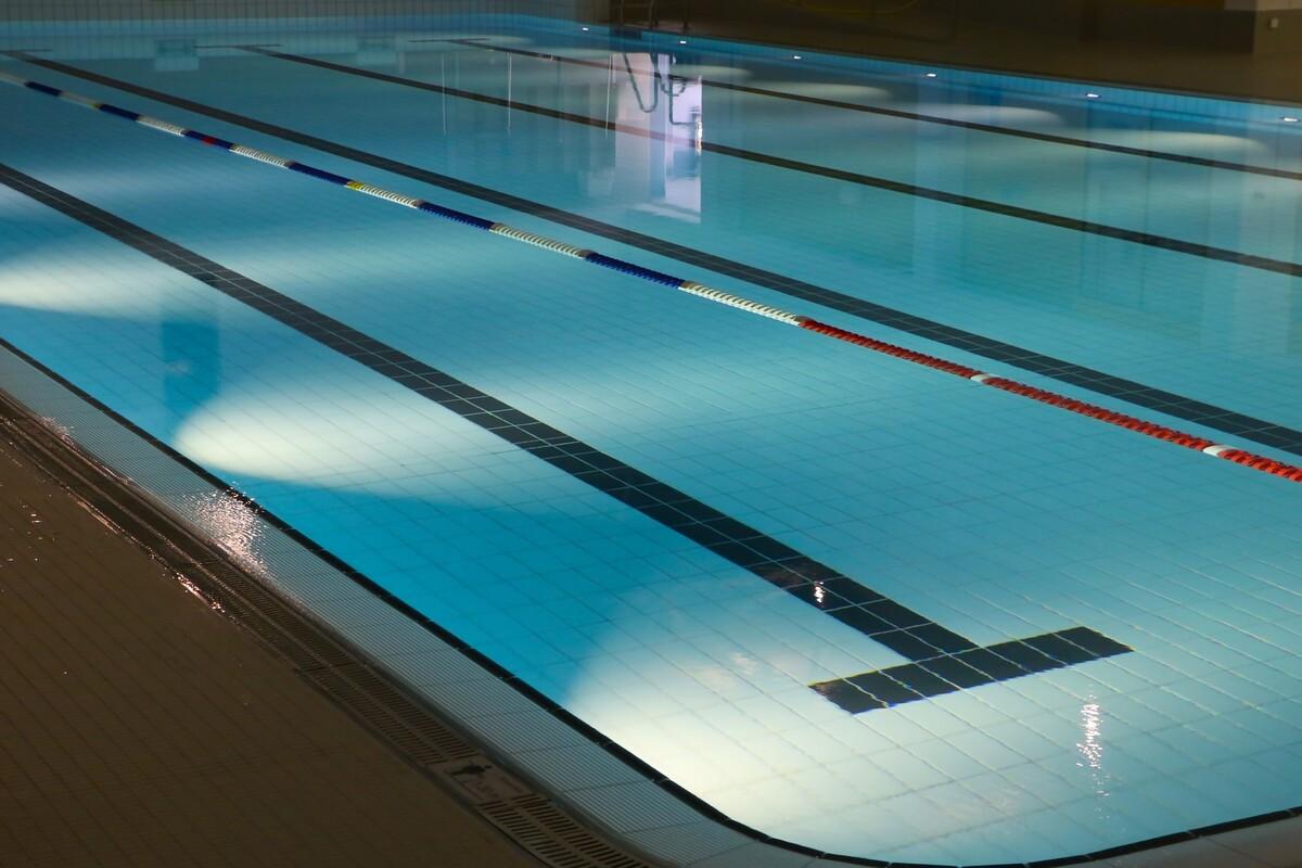 swimming01_m.jpg