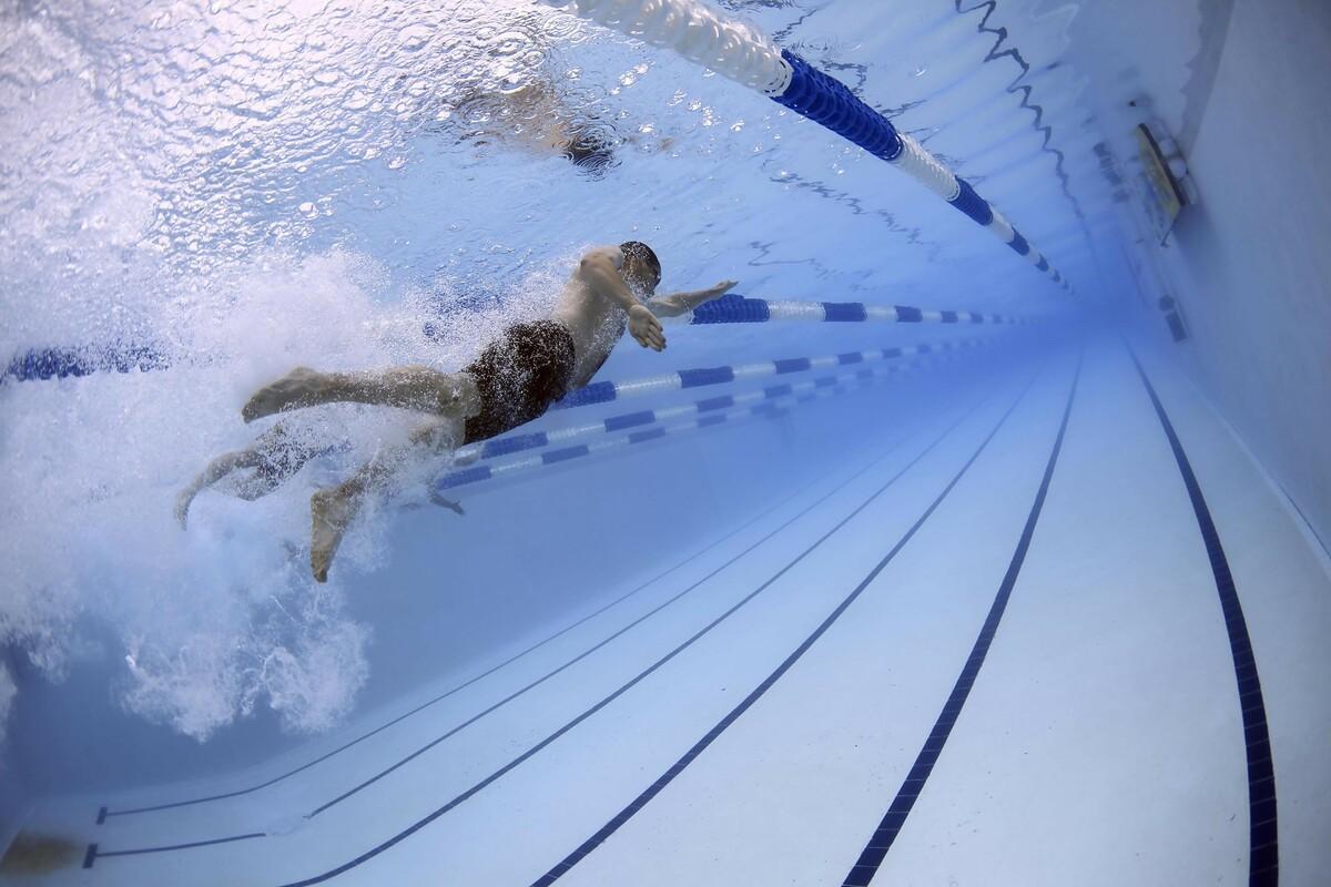 swimming02_m.jpg