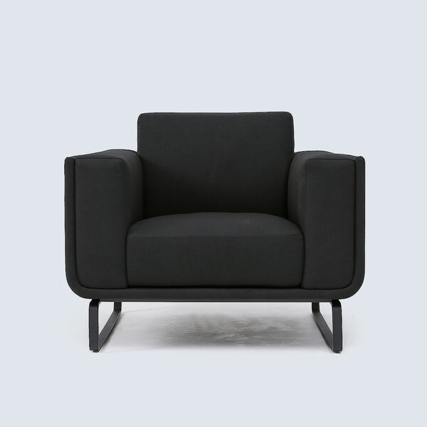 Dom-1984-armchair-black-1200-001.jpg